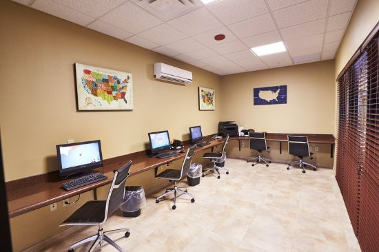Holiday Inn Express Guesthouse 1744 on Fort Bliss (An IHG Army Hotel): Business Center