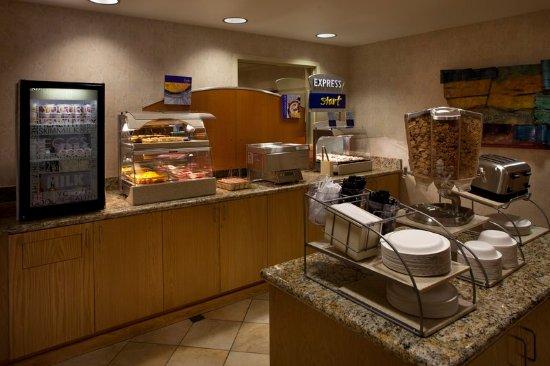 Fort Wainwright, AK: Breakfast Bar