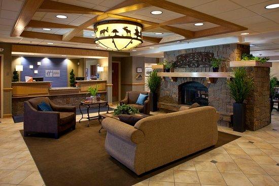 Fort Wainwright, AK: Hotel Lobby