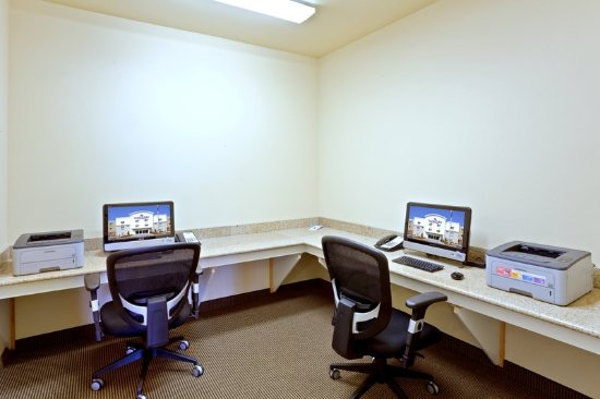 Lakewood, WA: 24 Hour Business Center for Extended Stay