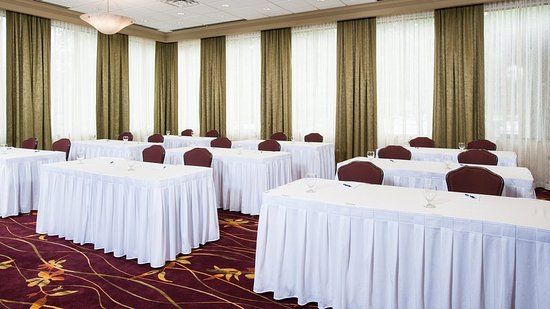 Germantown, MD: The Oak Room can accommodate several different room setups