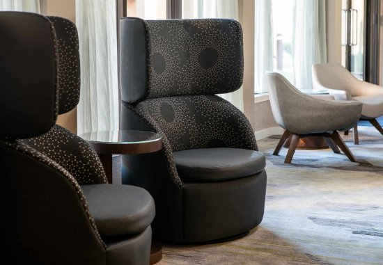 Irvine, Kalifornien: Lobby Seating Details
