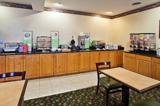CountryInn&Suites Newnan  BreakfastRoom