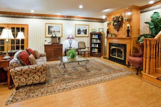 CountryInn&Suites Newnan  Lobby