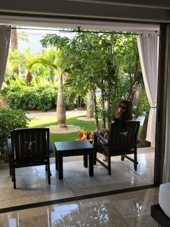 Cabo Azul Resort: Bedroom patio from the 1 bedroom.   There is another spacious patio from living room.