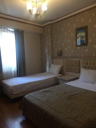 Aldem Hotel : triple accupancy room