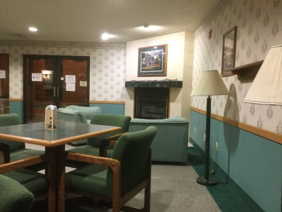 Don T Stay Here Review Of Bridgeport Inn Prairie Du Chien Wi