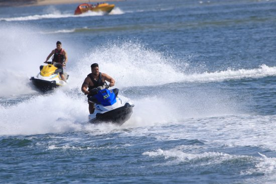 Main Beach, Australië: Bring a friend along for an awesome day out on one of our jetski tours at Extreme Jet Ski