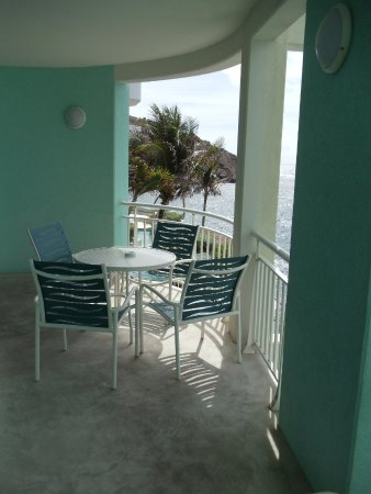 Oyster Bay Beach Resort: 1BR Mainsail balcony