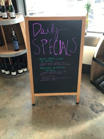 Neptune Beach, Φλόριντα: Daily specials board to look for