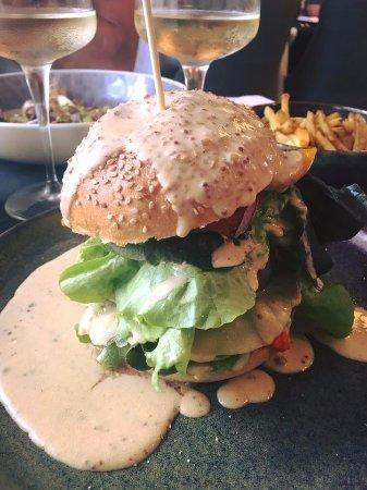 Eygalières, Francia: burger