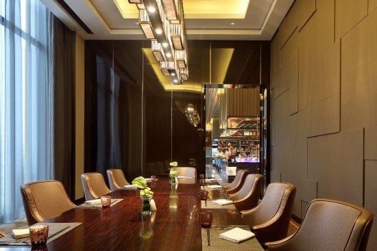 Dongying, Kina: 一楼美食汇自助餐厅