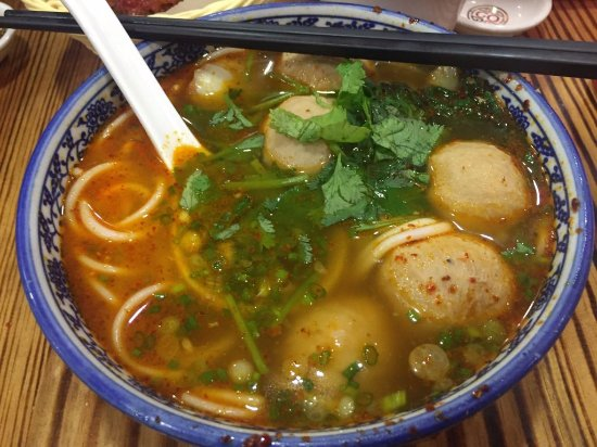 GO Noodle House: SPICY Bursting Meat Ball Noodles