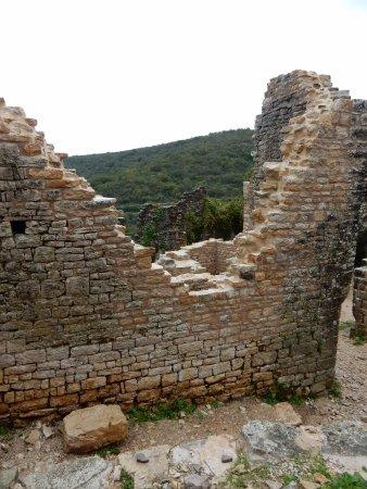 Kanfanar, Хорватия: Tra le rovine
