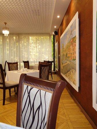 Ani Plaza Hotel: mesas desayuno