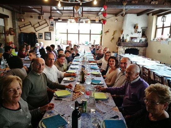 Monterosso Grana, Italië: Nostra tavolata
