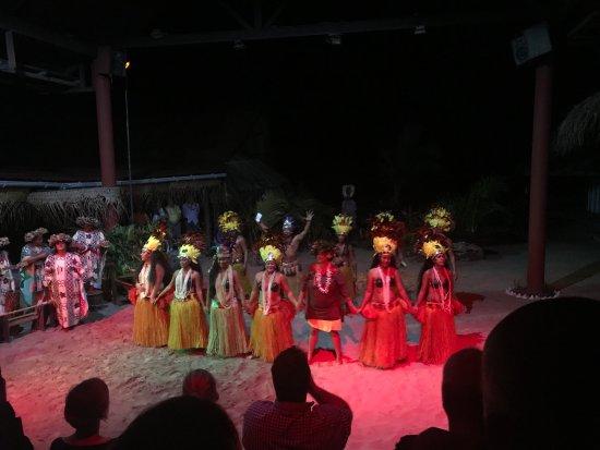 Tiki Village Cultural Centre : Bella serata
