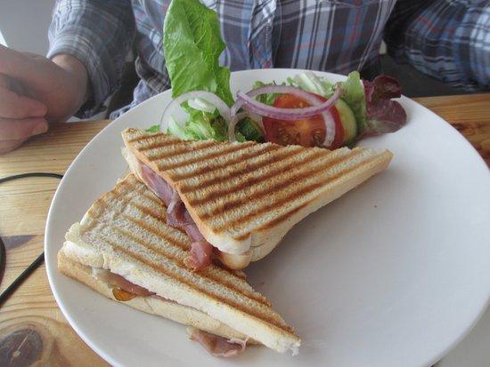 St Agnes, UK : Bacon sandwich