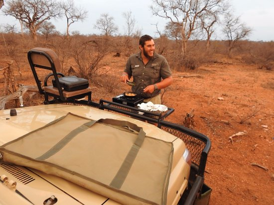 Balule Nature Reserve, África do Sul: our great safari guide during morning break