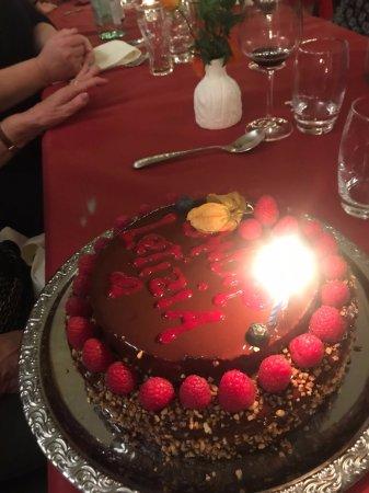 Val-d'Illiez, Sveits: Gâteau chocolat framboise