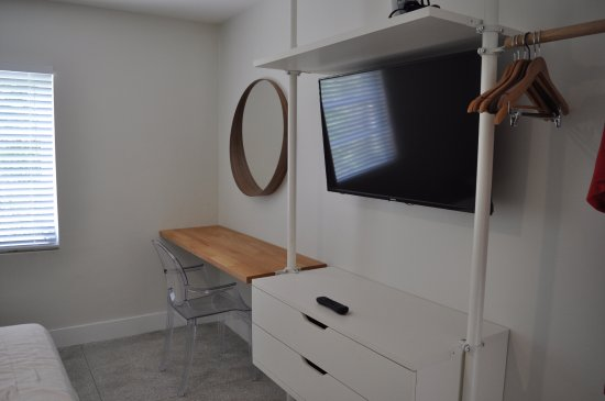 Tranquilo: TV, hanging space