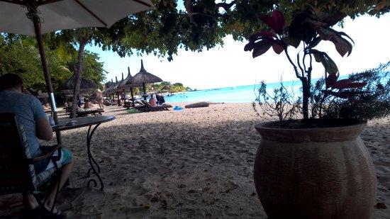 Le Maritim a table les pieds dans le picture of maritim resort spa