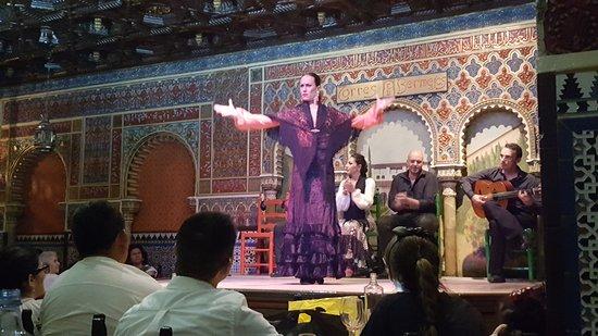 A beleza da dança flamenca