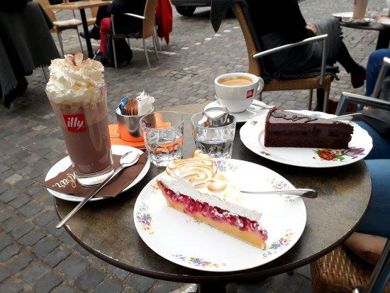 kuchenbar. : Schoko und Johannisbeerbaiser