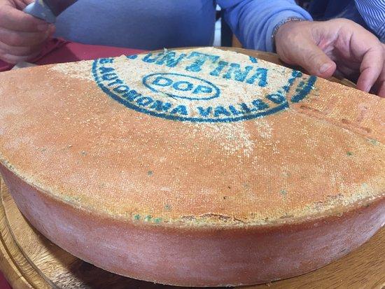 Ayas, Italie : fontina dop
