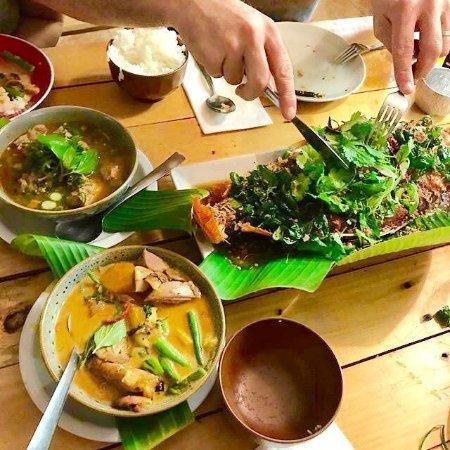 Edge Hill, Australie : Samgasat Thai Cuisine By Tom