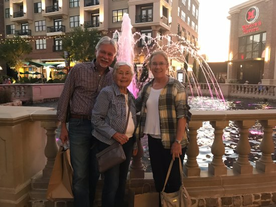 Alpharetta, GA: The central fountain is a great place for photographs