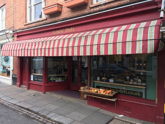 Louis' Deli & Cafe: Exterior.