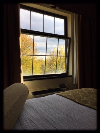 Best Western Plus Perth Parkside Inn & Spa: King Bed Room