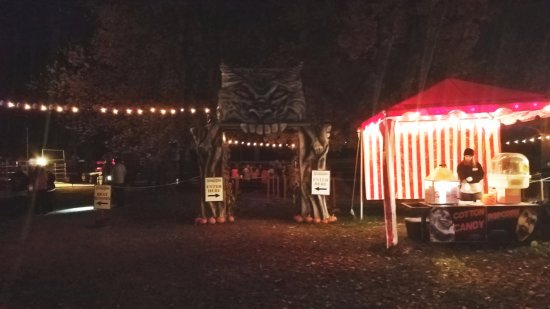 Ballston Spa, NY: Entrance to the hayride