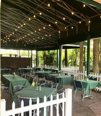 Maxine's: Beautiful pet friendly patio Available for dining and private functions