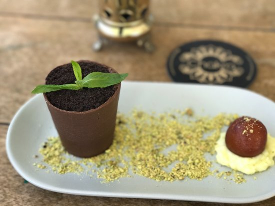 Inglewood, Αυστραλία: Mystery Choc pot- a new definition to indian dessert.