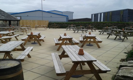 Roche, UK: Outside Seating