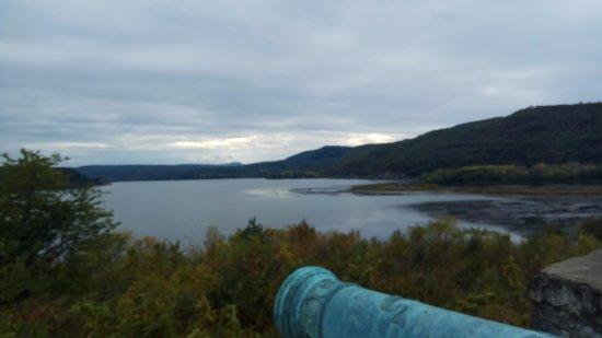Ticonderoga, NY: Overlooking the Lake