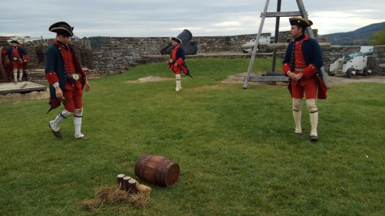 Ticonderoga, NY: Cannon Demonstration