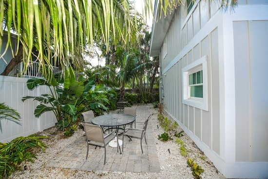 Tropical Breeze Resort: Veneccia D   Private Patio