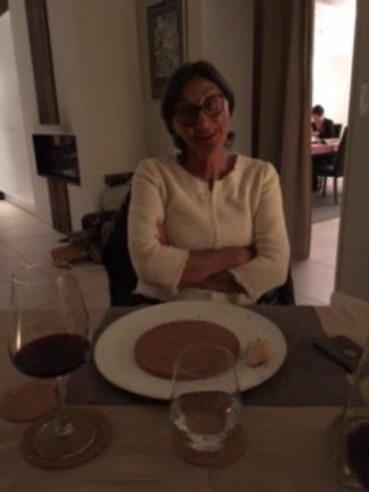 Montagne, France: notre salle à manger, séparés par un rideau, la salle à manger de l'autre couple d'hôtes