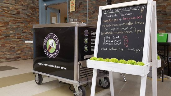 Belleville, Canada: We have an ice cream cart for rent!