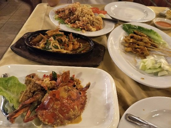 Orkid Ria Seafood Restaurant: The four dishes that we ordered.