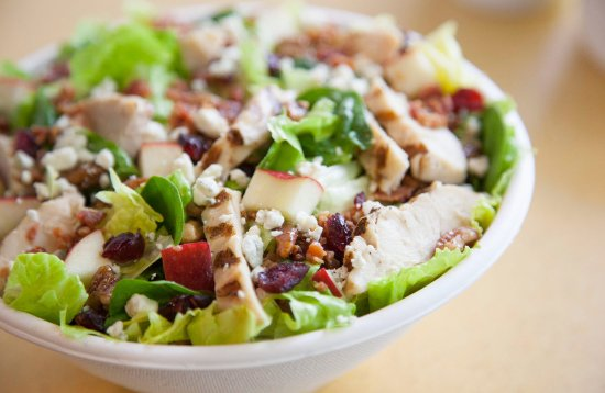 Huber Heights, OH: Chicken Harvest Salad