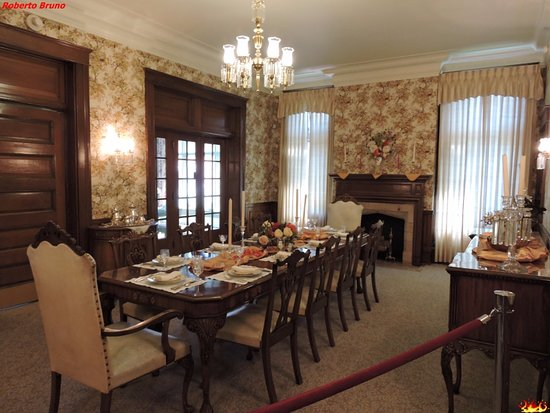 Sala da pranzo - Picture of Historic Governors\' Mansion, Cheyenne ...