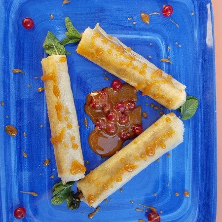 Rollitos De Pasta Brick Con Higos Y Pasas Picture Of
