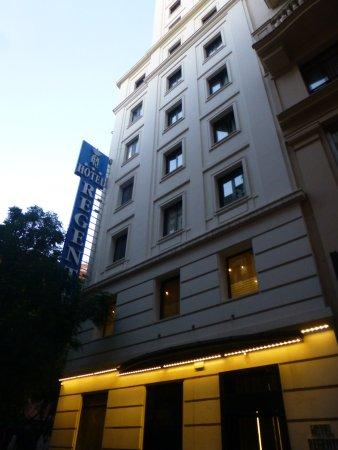 Regente Hotel: Desde afuera