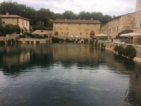 Foto di bagno vignoni foto di bagno vignoni provincia di siena tripadvisor - Bagno vignoni tripadvisor ...