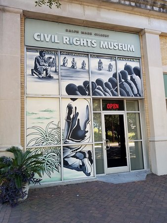 history of the ralph mark gilbert The ralph mark gilbert civil rights museum highlights dr martin luther king and many more influential people, both nationally and locally one section of the museum highlights notable 'firsts,' like the first black superintendent of savannah-chatham schools, the first black city alderman, and more .