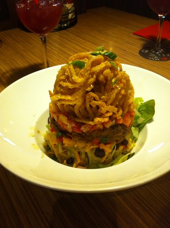 Abbotsford, Canada: Salad with pulled pork